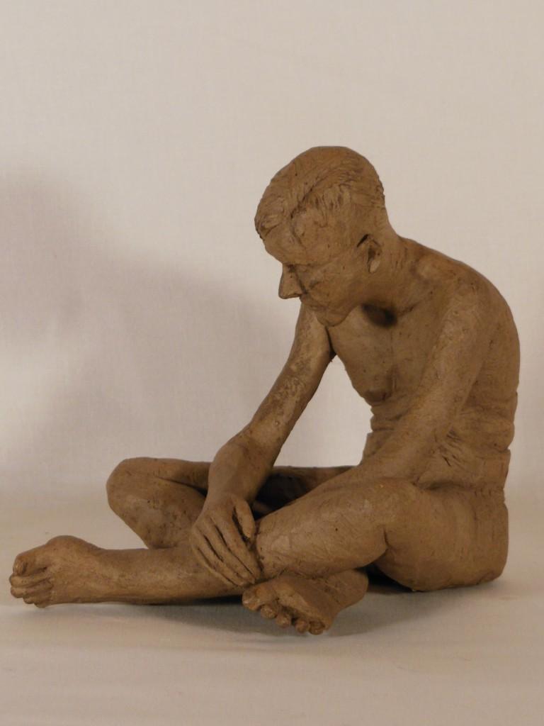 sculpture homme assis. Terre cuite (2)