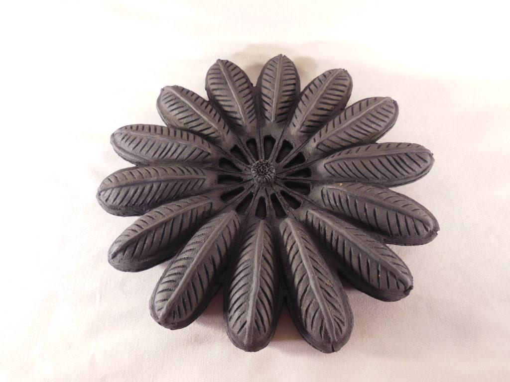 terre cuite noire